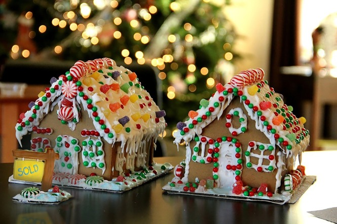gingerbread houses, Christmas, holidays, cookies, storytelling, christmas tales, europe, candy, snow, books,