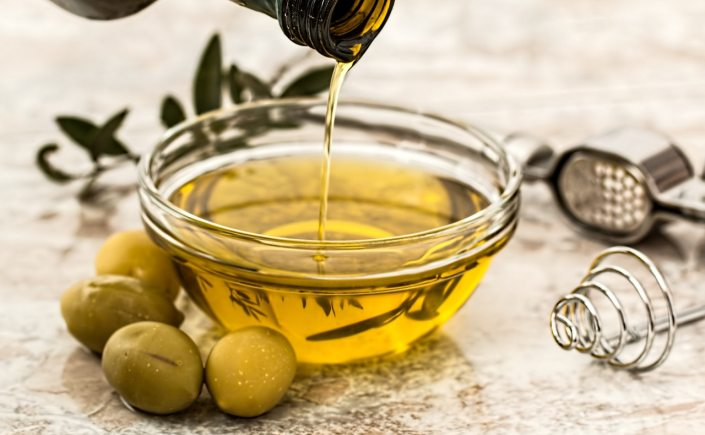 extra virgin olive oil, healthy ways, true olive oil, fake olive oil, 2018, author blog, am writing, olives, yellow, green, food, cooking,